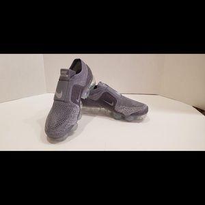 Nike Air Vapormax Women's sz 6.5 Grey AA4155 006